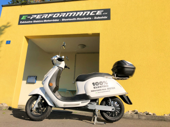 Kumpan Electric 1954RI (45 km/h) - MAGNOLIA WHITE